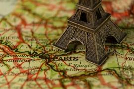 Срочная виза во Францию интересует?